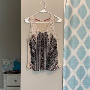 Boho lace patterned top!